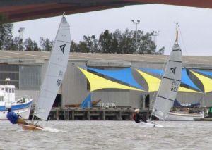 Steve Dunn & Perin Hardie work their way upwind