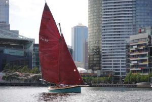 A Couta Boat enjoyed a moderate breeze on Victoria Harbour